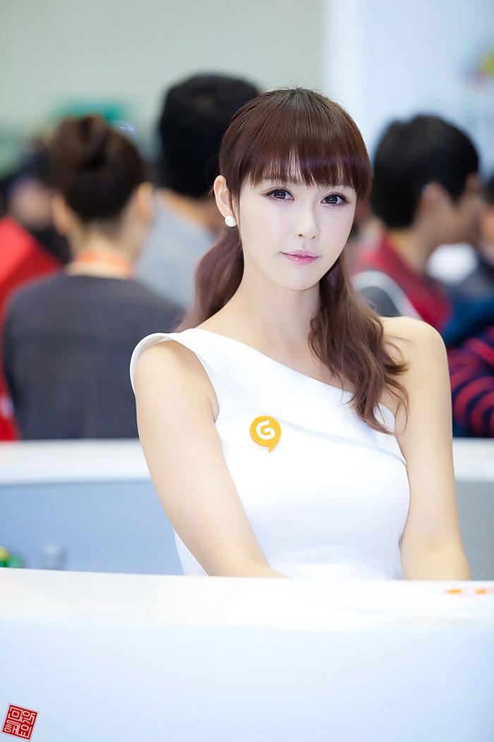 Showgirl G-star 2012: Kang Yui - Ảnh 6