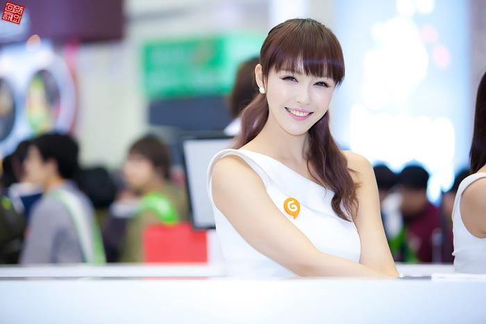Showgirl G-star 2012: Kang Yui - Ảnh 8