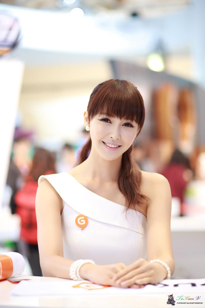 Showgirl G-star 2012: Kang Yui - Ảnh 9