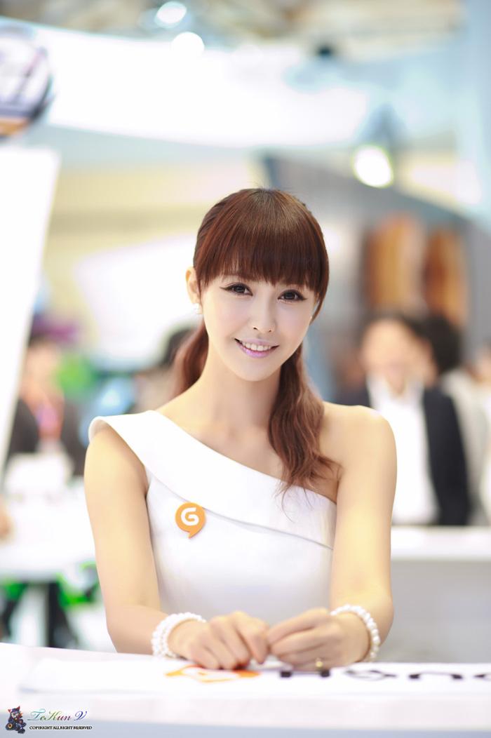 Showgirl G-star 2012: Kang Yui - Ảnh 10