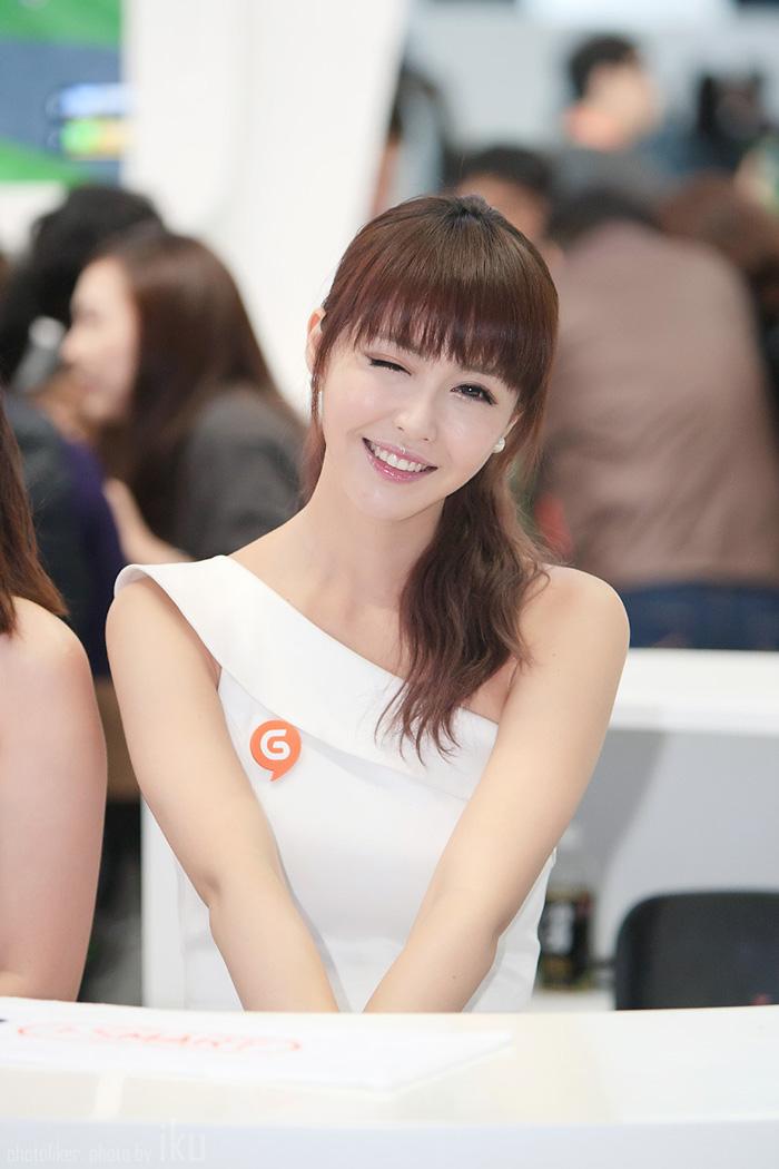 Showgirl G-star 2012: Kang Yui - Ảnh 17