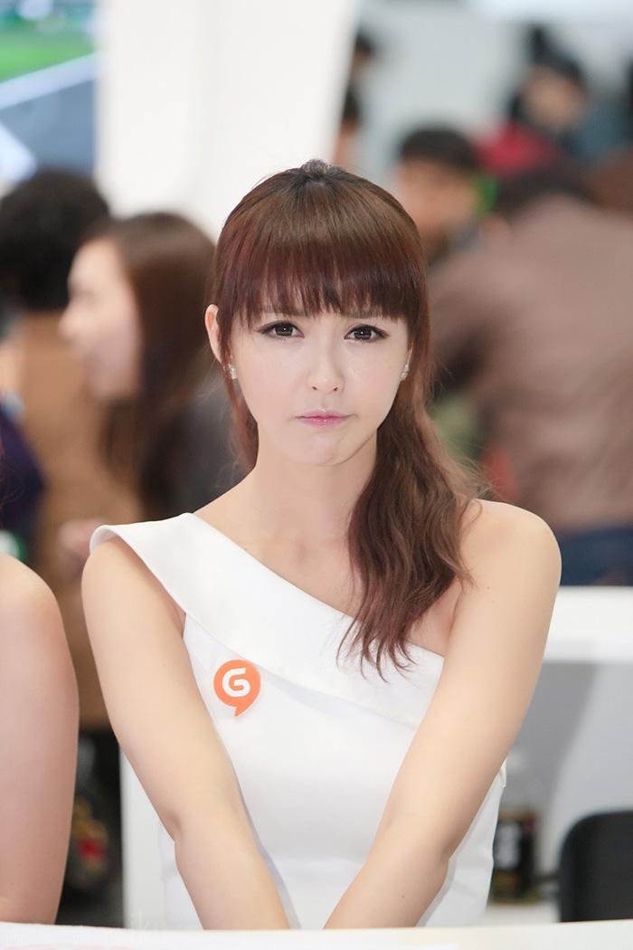 Showgirl G-star 2012: Kang Yui - Ảnh 19