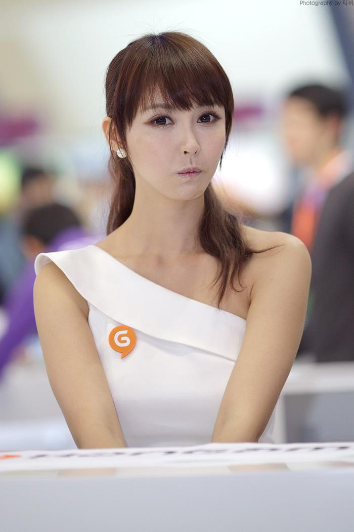 Showgirl G-star 2012: Kang Yui - Ảnh 25