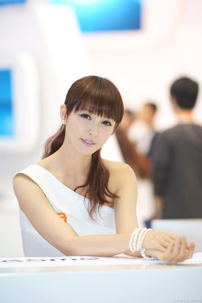 Showgirl G-star 2012: Kang Yui - Ảnh 28