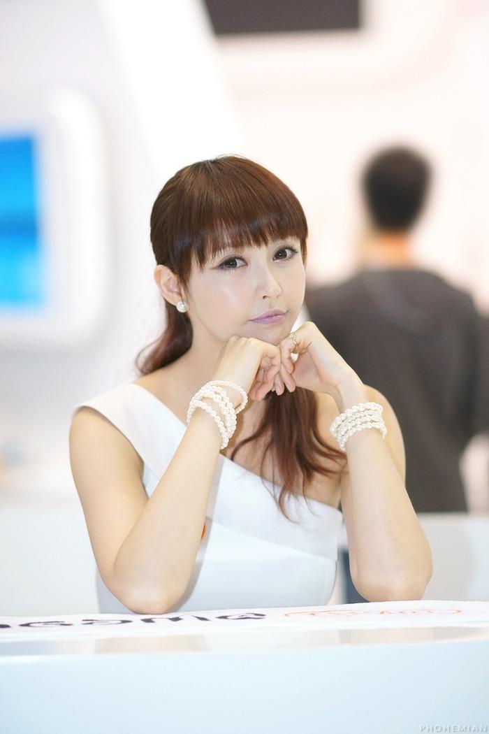 Showgirl G-star 2012: Kang Yui - Ảnh 31