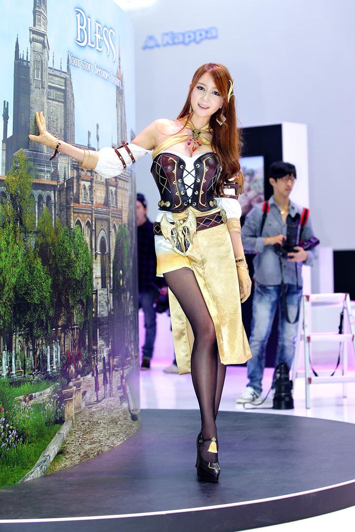 Showgirl G-star 2012: Han Chae Yee - Ảnh 56