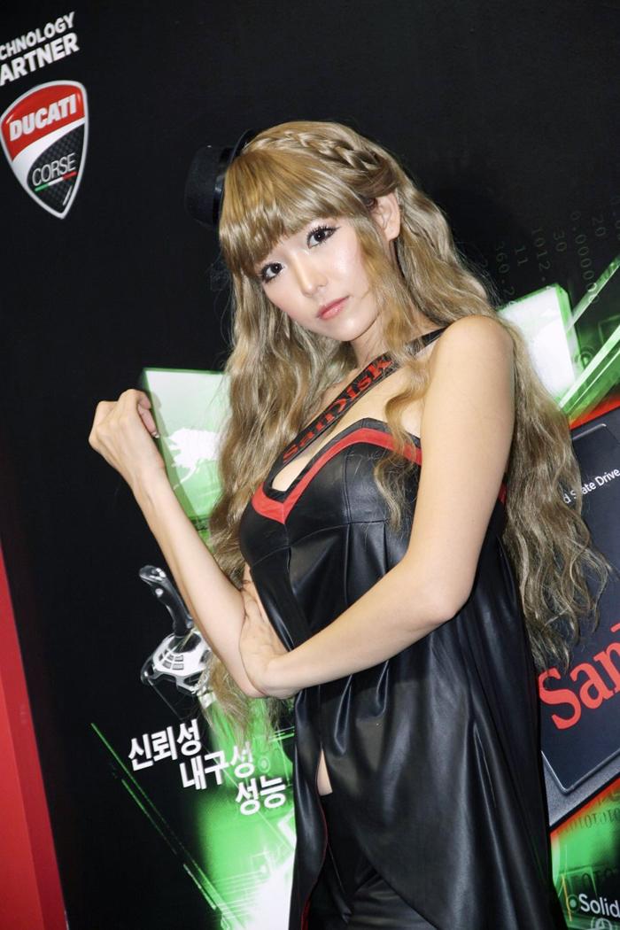 Showgirl G-star 2012: Lee Eun Hye - Ảnh 20