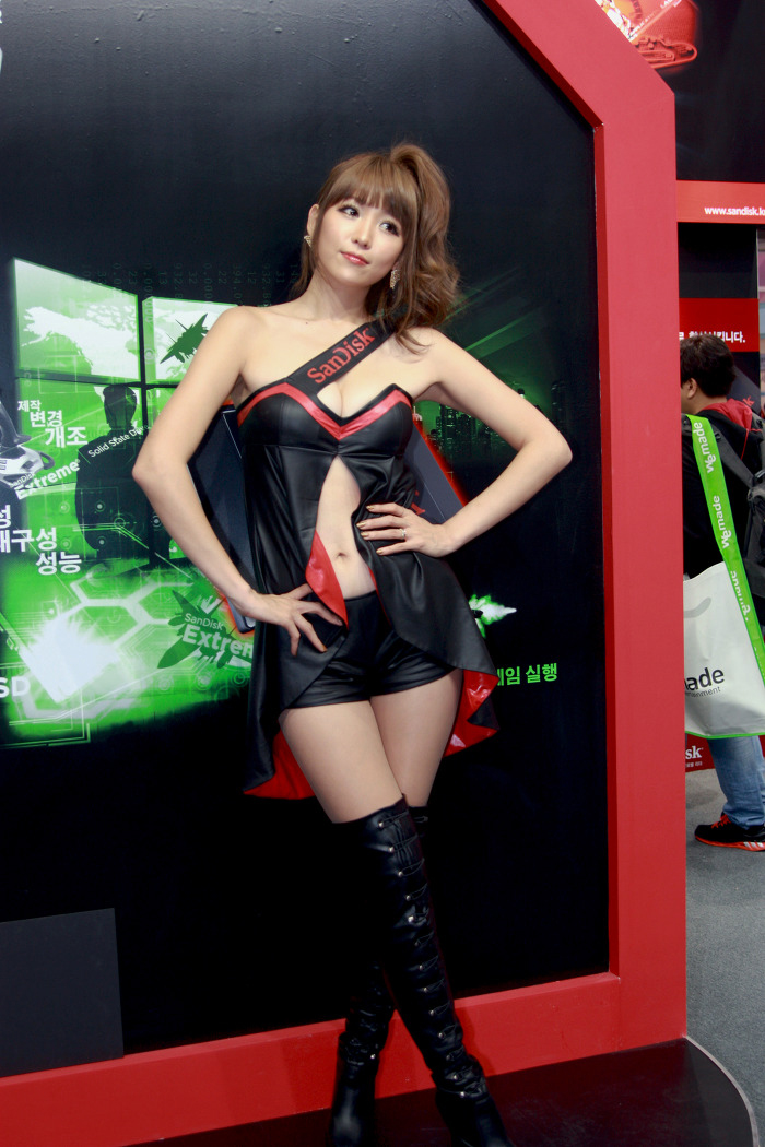 Showgirl G-star 2012: Lee Eun Hye - Ảnh 50