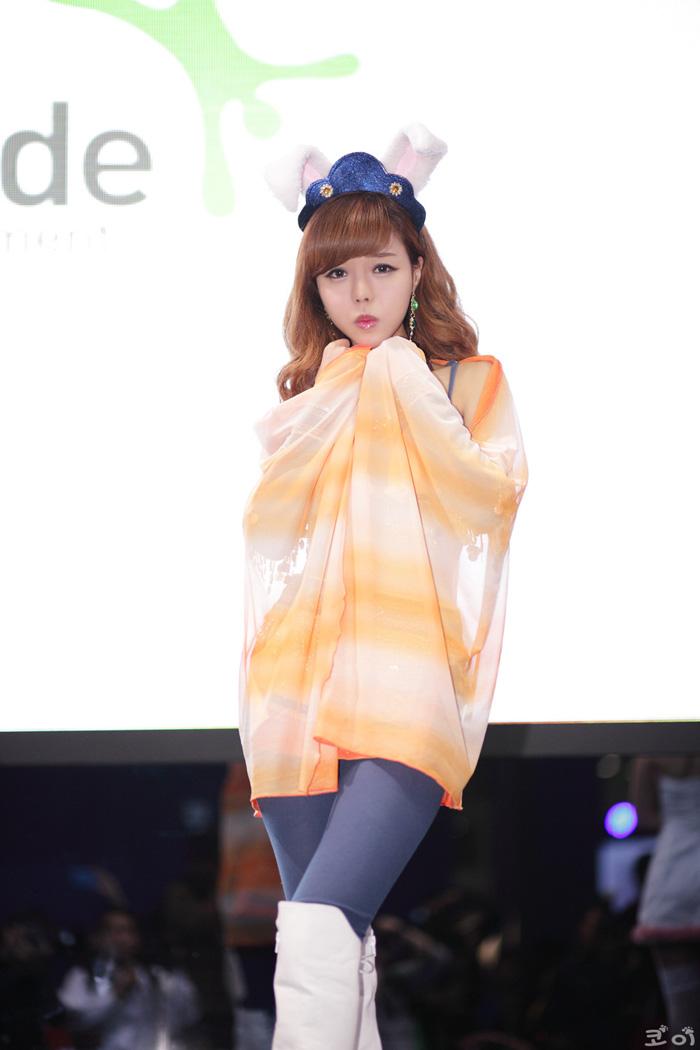 Showgirl G-star 2012: Seo Ji Ah - Ảnh 119