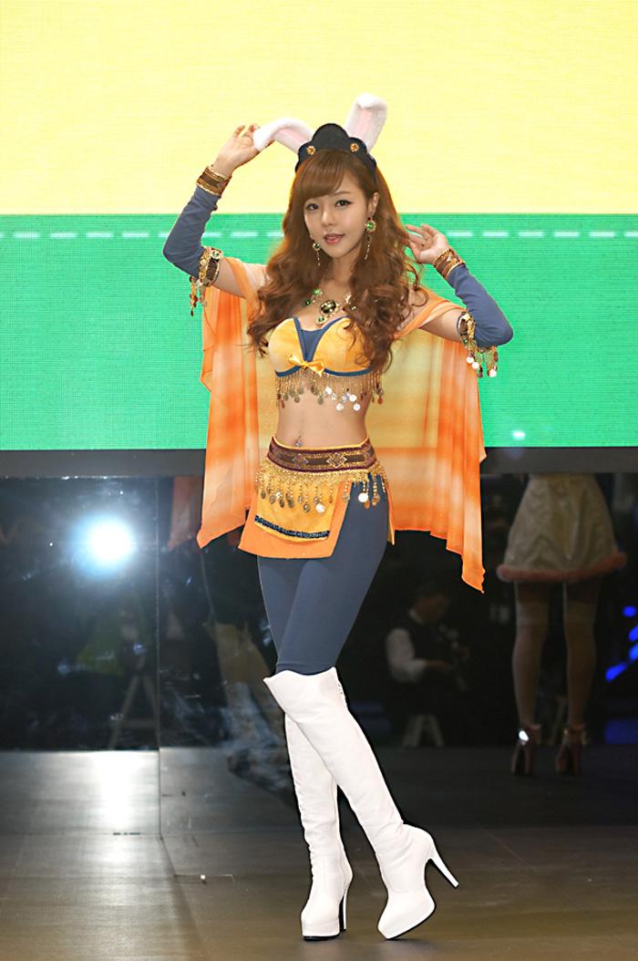 Showgirl G-star 2012: Seo Ji Ah - Ảnh 42