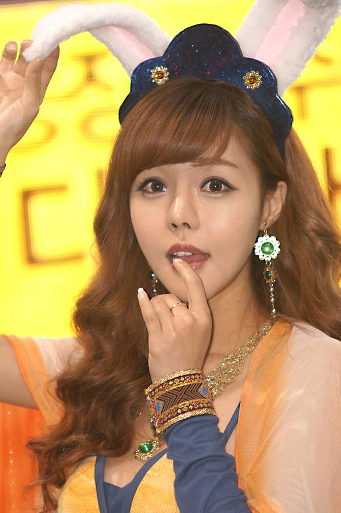Showgirl G-star 2012: Seo Ji Ah - Ảnh 43
