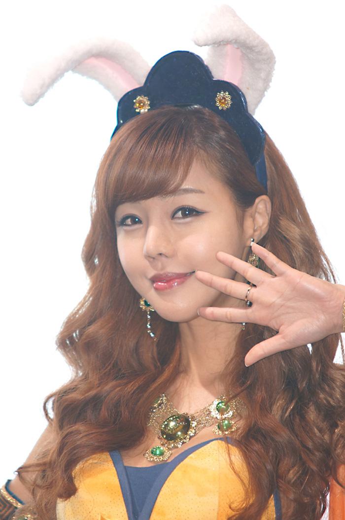 Showgirl G-star 2012: Seo Ji Ah - Ảnh 47
