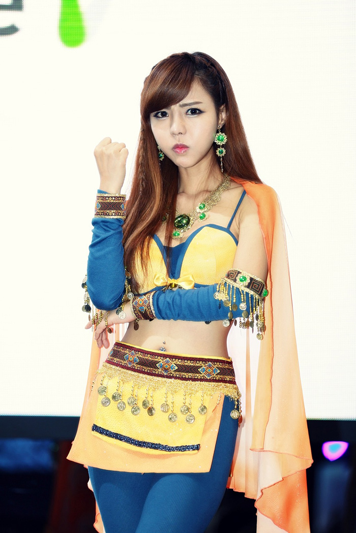 Showgirl G-star 2012: Seo Ji Ah - Ảnh 99
