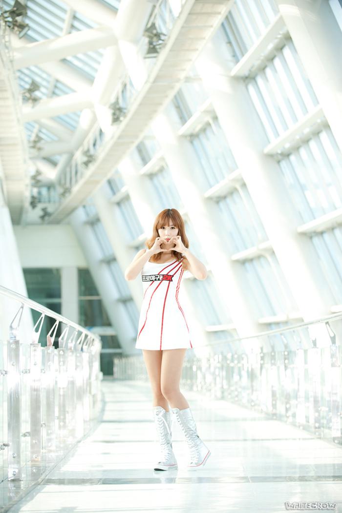 Showgirl G-star 2012: Song Ji Na - Ảnh 13