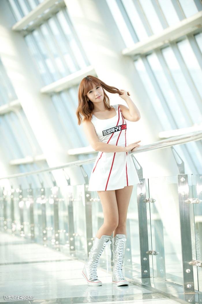 Showgirl G-star 2012: Song Ji Na - Ảnh 14