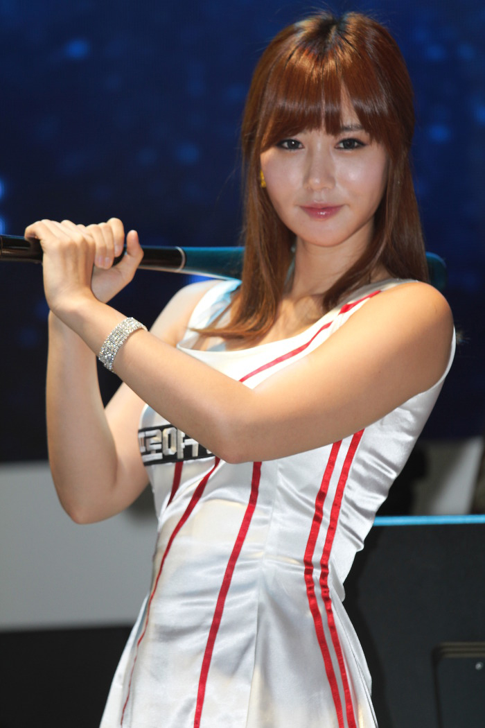 Showgirl G-star 2012: Song Ji Na - Ảnh 17