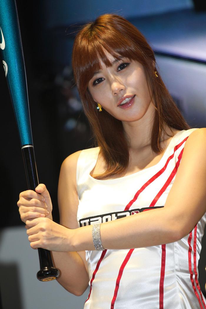 Showgirl G-star 2012: Song Ji Na - Ảnh 19