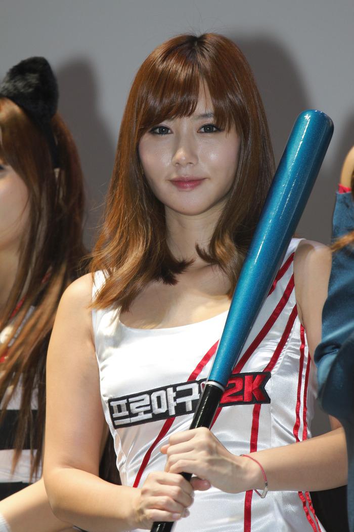 Showgirl G-star 2012: Song Ji Na - Ảnh 21