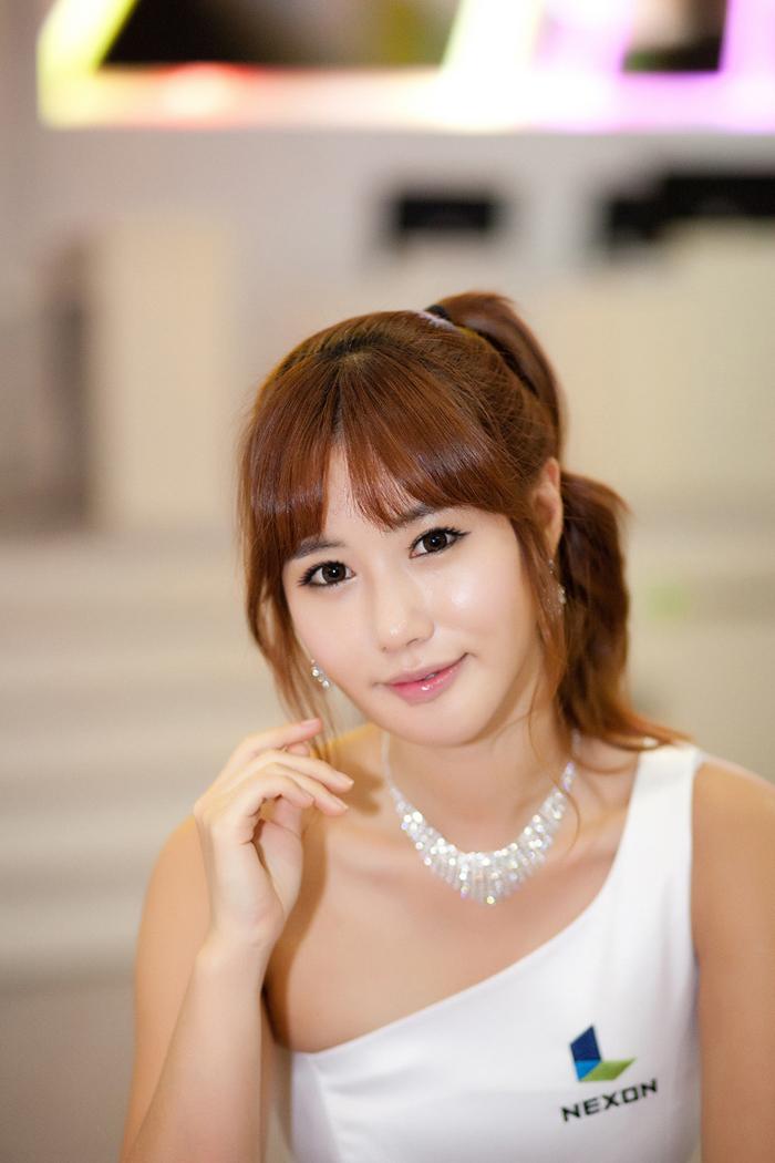 Showgirl G-star 2012: Song Ji Na - Ảnh 23