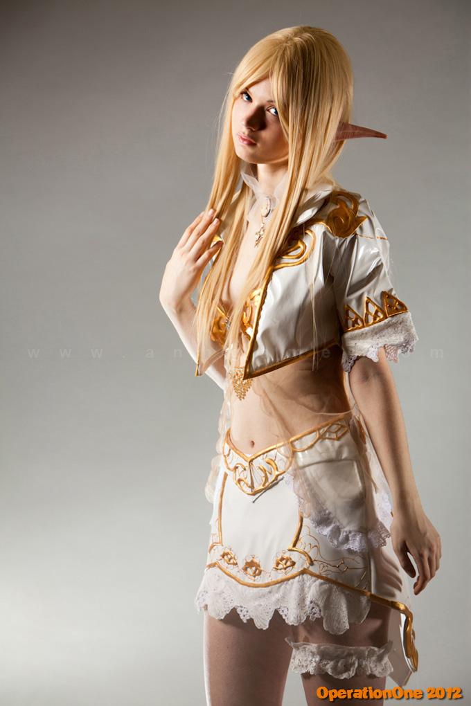 Sara Marziali gợi cảm với copsplay Throne Elf - Ảnh 2